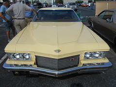 1973 Buick Riviera (splattergraphics) Tags: 1973 buick riviera carshow huntvalleyhorsepower huntvalleytownecentre huntvalleymd