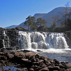 Aasleagh Falls, Ireland (pom.angers) Tags: canondigitalixus500 april 2007 ireland europeanunion aasleaghfalls waterfall easliath leenaum connemara conamara galway 100 150 200 éire 300 400 5000 500 10000
