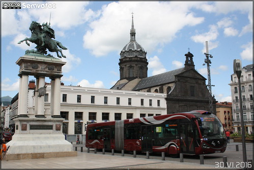 Irisbus Créalis 18 - T2C (Transports en Commun Clermontois) n°803