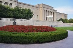 Nelson-Atkins Museum of Art (jpellgen (@1179_jp)) Tags: kc kansascity mo missouri medwest summer usa america travel roadtrip nikon sigma 1770mm d7000 2017 september museum art nelsonatkins architecture