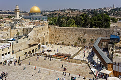 Jerusalem (Hemo Kerem) Tags: israel street a7rm2 a7rii loxia35 zeissloxia35mmf2biogon loxia35mmf2 loxia235 zeiss loxia 35mm biogon manualfocus mf sony sonya7rm2 ilce7rm2 alpha jerusalemoldcity oldcity religion religious