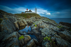 st Mathieu (cristgal56) Tags: pointestmathieu abbaye finisitère océan reflet presquîledecrozon rocher phare