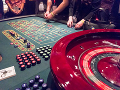 Roulettetisch im Casino (marcoverch) Tags: köln nordrheinwestfalen deutschland de roulettetisch casion poker casino kasino gambling spielen roulette chance luck glück blackjack leisure freizeit game spiel club verein participate sichbeteiligen recreation erholung gambler spieler risk risiko chipshot chipschuss ace as fun spas lucky glücklich entertainment unterhaltung feltup fühltesichauf photoshop hair cityscape leica rural catwa shore macromondays spring