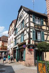 Casas típicas (con flautista incluido), Ribeauvillé (marigrish) Tags: francia ribeauvillé tamron2875 ribeauville grandest