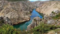 Croatie - Canyon de la rivère Zrmanja -2- (mamietherese1) Tags: earthmarvels50earthfaves phvalue world100f esenciadelanaturaleza ngc landscapesseascapescityscapes coppercloudsilvernsun extraordinarilyimpressive 200v200c2000v