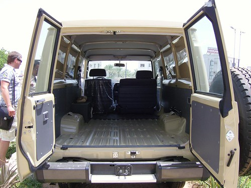 HZJ 78-wagon02