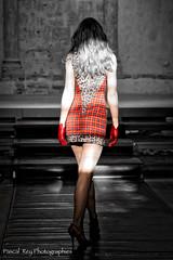 DSC_4144_v1 (Pascal Rey Photographies) Tags: digikam digikamusers nikon d60 défilédemodeauprieurédesalaisesursanne38150france défilédemode fashion fashionshow vêtements clothes salaisesursanne prieuré rouge rougeetnoir redshoes red luminar backshot