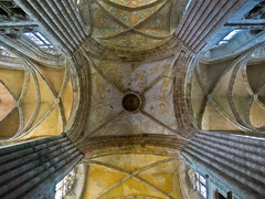 Vierung / Crossing (schreibtnix on 'n off) Tags: reisen travelling europa europe frankreich france bretagne brittany breizh paimpol kathedrale cathedral sainttugdual gewölbe vault olympuse5 schreibtnix