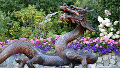 Dragon Sculpture in Japanese Garden at Butchart (photo_paddler) Tags: color summer availablelight day britishcolumbia victoria canada butchartgardens sculpture