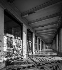 Art in the galleries (Blende1.8) Tags: ostende ostend oostende galerie königlichegallerien belgium belgien mono monochrome monochrom shadows schatten light licht streetart carstenheyer sony alpha ilce7m2 voigtländer 15mm wideangle