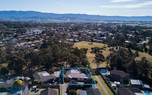 25 Barcoo Circuit, Albion Park NSW