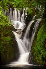Einion (Sandra Lipproß) Tags: waterfall softwater wales cymru einion dyfifurnace uk greatbritain sandralippross weicheswasser wasserfall green water river nature natur outdoor