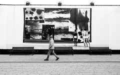 black&white all the same (ThorstenKoch) Tags: street streetphotography strasse stadt shadow shopping city candit wall pov photography people picture photographer fashion monochrome man mann bench bank fuji fujifilm xt10 thorstenkoch düsseldorf duesseldorf kö königasallee