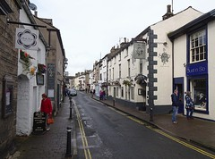 Main Street, Kirkby Lonsdale (Snapshooter46) Tags: mainstreet kirkbylonsdale cumbria streetscene