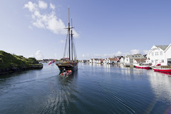 The schooner Frøya at Kvitsøy (Svein K. Bertheussen) Tags: frøya sailship seilskip sailingvessel seilfartøy skonnert schooner kvitsøy ydstebøhavn rogaland norge norway veteranfartøy veteranship hav sea seiling sailing