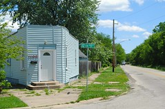 12th & Woodruff - Rockford, Illinois (Cragin Spring) Tags: building rockford rockfordil rockfordillinois illinois il midwest unitedstates usa unitedstatesofamerica house home corner street