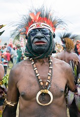 man black face and sunnies (kthustler) Tags: goroka singsing papuanewguinea tribes huliwigmen mudmen
