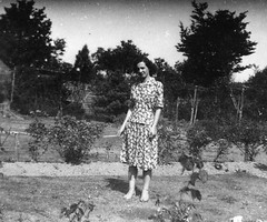 Stylish 40's woman in the garden (vintage ladies) Tags: vintage blackandwhite female woman lady portrait people photograph photo eoshe stylish pretty beauty garden suit skirt 40s 40slady 40sstyle 40swoman