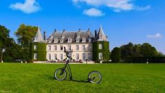 My Mibo, La Hulpe (YᗩSᗰIᘉᗴ HᗴᘉS +8 500 000 thx❀) Tags: mibo trottinette château casle architecture lahulpe belgium belgique scooter sky bluesky hensyasmine