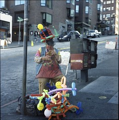 Balloon Man (Jurgen Estanislao) Tags: balloon man seattle pike place market rolleiflex 35f carl zeiss planar 75mm f35 kodak portra