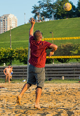 2017-09-04 BBV Men's Doubles (25) (cmfgu) Tags: craigfildespixelscom craigfildesfineartamericacom baltimore beach volleyball bbv md maryland innerharbor rashfield sand sports court net ball outdoor league athlete athletics sweat tan game match people play player doubles twos 2s men
