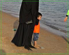 (i_sonni_sou) Tags: sharmelsheikh egypt islam shadow boy children fullveiling