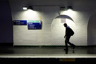 Metro, Paris 133-2017 ( serie walkers )