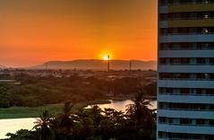 Estranho pôr do Sol (felipe sahd) Tags: pôrdosol entardecer city cidade fortaleza ceará brasil litoralnordestino nordeste