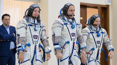 Expedition 53 Qualification Exams (NHQ201708300002)