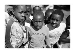 Malawi (Vincent Karcher) Tags: vincentkarcherphotography africa afrique art blackandwhite culture documentary malawi noiretblanc people portrait project rue street travel voyage world kid child children enfant