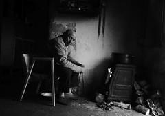La curva del sueño (kchocachorro) Tags: photography phothographer phothoart bnw blackandwithe monocromatico byn sueño dream people instantanea instante