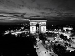 Architecture Built Structure Triumphal Arch Sky Cloud - Sky Arch Building Exterior Travel Destinations City Tourism Illuminated Tree Monument Outdoors Night Large Group Of People Cityscape People Black & White Black And White Photography Black And White B (jcl_paris) Tags: architecture builtstructure triumphalarch sky cloudsky arch buildingexterior traveldestinations city tourism illuminated tree monument outdoors night largegroupofpeople cityscape people blackwhite blackandwhitephotography blackandwhite