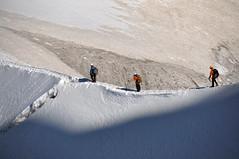 Alpinistes (thomaspollin [thanks for 2 million views !!!]) Tags: thomaspollin thomas pollin europe europa france frankreich auvergne rhône alpes auvergnerhônealpes rhônealpes alpen alps haute savoie hautesavoie chamonix aiguille midi aiguilledumidi massif mont blanc montblanc massifdumontblanc