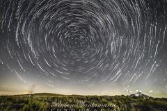 Startrail mode ON (Rubén Santamaría Fotografía) Tags: nocturna night largaexposicion longexposure startrail circumpolar nikon d600 galicia penatrevinca aveiga