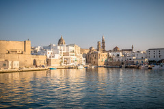 Centro Storico di Monopoli (cpphotofinish) Tags: centro storico di monopoli puglia apulia centrostorico bari itali italy canon cpphotofinish carstenpedersen canondslr canon5dmk3 square water weather eos5dmk3 tourist yellow usm image italia outdoor outside ocean photo panoramic panorama sky sunset dslr dark foto farger harbour july light landscape canonredlable canonef color canonmkiii clouds blue bluelight mklll carst1 beach duomo citywall night ef24105mmf4lisusm