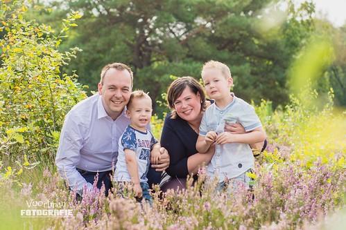 0826 Familieshoot Assen (Voortman Fotografie) WEB-10