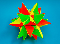 Sky Star Kusudama (30 units, icosahedron) (Brian Ritchie) Tags: kusudama mariasinayskaya skystar modular origami