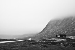 Cabin in the foggy mountain (Paal Lunde) Tags: bw black white norway hemsedal hemsedalsfjellet mountains nature landscape travel photography paal lunde design photo foto canon 24mm stm fixed lens canin foggy mountain
