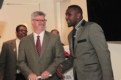 "thomas-davis-defending-dreams-foundation-key-to-city-0005 • <a style=""font-size:0.8em;"" href=""http://www.flickr.com/photos/158886553@N02/36348512214/"" target=""_blank"">View on Flickr</a>"