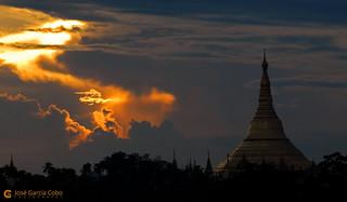 11-10-09 Myanmar (27) Yangon R01