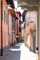 Monte Isola - TKF (Ton Kuyper Fotografie) Tags: architecture alley monteisola italie italy kleur colour colourful