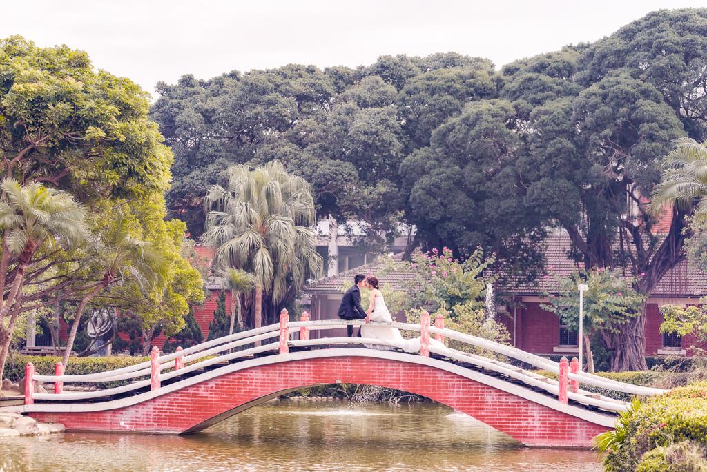 婚攝大嘴-台南成大司法博物館_嘉義蘭潭中正大學自助婚紗 (1)