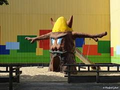 Schaukelbaum (MacroManni) Tags: deutschland germany niederrhein kalkar kernwasserwunderland kernieswunderland freizeitpark amusementpark schnellerbrüter