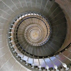 Le phare des baleines (djib39) Tags: ilederé lightroom phare mer escalier stairs architecture france escargot