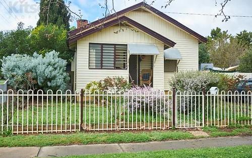 1 Halloran Street, Turvey Park NSW 2650