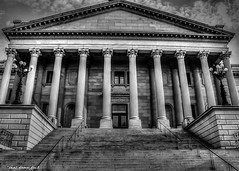South Carolina Statehouse (that_damn_duck) Tags: blackwhite southcarolinastatehouse statehouse architecture columns historic structure building bw blackandwhite