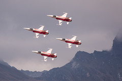 Patrouille Suisse at Breitling Air Show 2017 (David Divorne) Tags: sionairshow17 sionairshow airshow airshow2017 sion airforce breitlingairshow switzerland valais wallis nikon d7200 nikonswitzerland aircraft landscape aerial sigma aviation airplane sky bluesky aero albatros acrobatic breitling jet patrouillesuisse swissairforce northrop f5e tiger northropf5etigerii f5