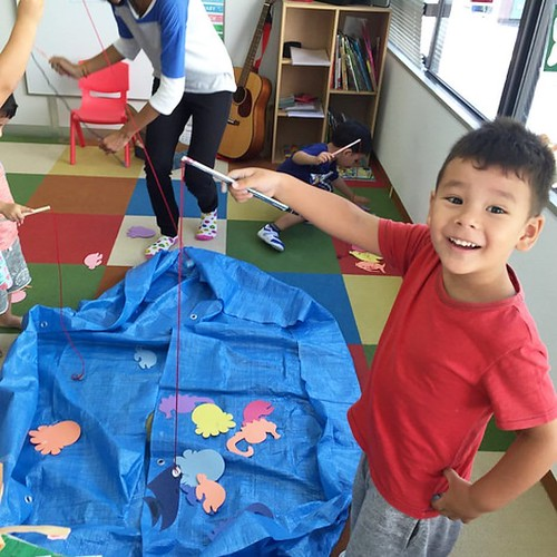 """Look, I caught a fish!"" 「見て〜!お魚釣れたよ!」 . Star Kids International Preschool, Tokyo. #starkids #international #preschool #school #children #kids #kinder #kindergarten #daycare #fun #shibakoen #minatoku #tokyo #japan #instakids #instagood #twitter #子供 #幼稚園 #"