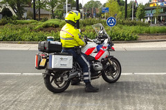 Dutch police BMW R1200gs (Dutch emergency photos) Tags: police politie polizei politi polis bmw r 1200 gs r1200gs r1200 1200gs motor motorcycle bike motorbike policebike politiemotor motoragent dutch nederland nederlands nederlandse emergency 911 999 112 blauw blue light verkeer trafic 1813 mzdf51