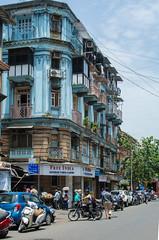 Arquitectura en Mumbai 3/8 , Sector de Bandra (Sebhue) Tags: mumbai bombay arquitectura india